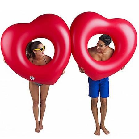flotador corazones